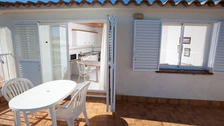 1-estudio-2-personas-sitges-terraza.jpg